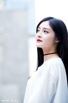 kyulkyung / jieqiong / pinky She Was Beautiful, Beautiful People, Pledis Girlz, Ioi, Tumblr Girls, Korean Girl Groups, Girl Crushes, Kpop Girls, Asian Beauty