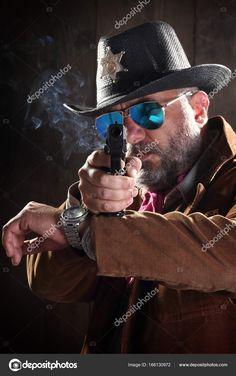 Resultado de imagem para xerife com charuto