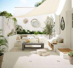 Kleiner Garten im Ibiza-Stil - melissa van der graaff - Dekoration Outdoor Living Rooms, Outdoor Spaces, Outdoor Decor, Outdoor Retreat, Outdoor Lounge, Outdoor Seating, Home Garden Design, Home And Garden, Garden Sail