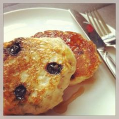 Blueberry Chia Pancakes – Guest post by Jessica Grajczyk #vegan