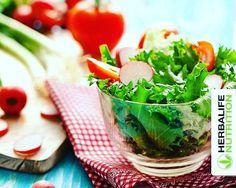 Bugün yemeğin yanında, hafif bir salata hazırlamaya ne dersin? www.idealbeslen.com 0536 612 9009 Whatsapp #idealbeslen #herbalife #kilo #diyet #zayıflamak #pazar #tatil #haftasonu #spor #motivasyon #energy #sağlık #salata #domates #marul #ramazan...