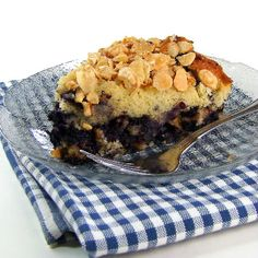 One Perfect Bite: Blueberry and Almond Coffee Cake Healthy Cake Recipes, Sweet Recipes, Dessert Recipes, Dessert Ideas, Healthy Food, Yummy Treats, Delicious Desserts, Yummy Food, Blueberry Recipes