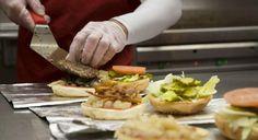 Actualidad Actualidad Buena acogida de Five Guys en España: el restaurante de Madrid supera al de Times Square en Nueva York