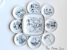 Yksi kolmesta Turun Verka -yhtiölle tehdystä G-mallin erikoislautasesta. Emiliaa muistuttavasta tyylistä huolimatta kyseessä on sarjaan kuulumaton tilaustyö. Ympärillä B-mallin minulautasia/vateja. Scandinavian Design, Ceramic Art, Horns, Kitchen Design, Decorative Plates, Art Deco, Pottery, Vintage, Ceramics