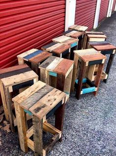 15 Cool Wooden Pallet Furniture Project Ideas