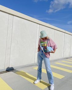 Outfits With Hats, Cute Casual Outfits, Summer Outfits, Girl Outfits, Fashion Outfits, Bucket Hat Outfit, Looks Style, Aesthetic Clothes, Streetwear Fashion