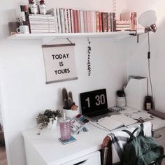 Room Decor Bedroom Pictures - Decoration Home Tumblr Bedroom Decor, Tumblr Rooms, Uni Room, Dorm Room, Dorm Desk, Desk Office, Study Office, Office Decor, Small Room Bedroom