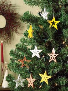 Ahhhhh I love stars!!!! Forget Christmas! Do them bug and mount them on the walls!!!!