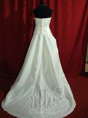 Esküvői ruha B-40510 ★★★ AlleMode esküvői ruhaszalon Budapest Teréz körút 12.