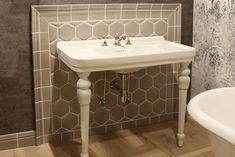 Rockfeller & Legs washbasin and Collezione Ceramic Hudson | Park Avenue | Classic bathroom #luxurybathroom #ceramics #washbasin #handcrafted