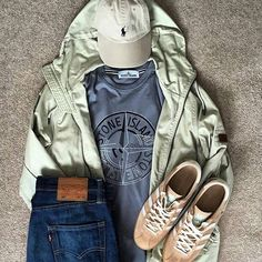 Новости Mens Wardrobe Essentials, Men's Wardrobe, Latest Mens Fashion, Dope Fashion, Fashion Men, Preppy Dresses, Casual Outfits, Différents Styles, Football Casuals