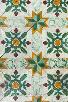Penang Street Art and Peranakan Tiles - Vagabond Baker Floor Patterns, Tile Patterns, Textures Patterns, Singapore Map, Porch Paint, Art Nouveau Tiles, Beauty Salon Design, Vintage Tile, Indochine