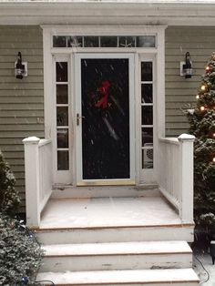 Cape cod front door design ideas pictures remodel and for Cape cod front door