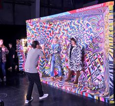 Indulge your social conscience while taking selfies – - Event Interactive Exhibition, Interactive Art, Exhibition Display, Exhibition Booth Design, Form Design, Stand Design, Display Design, Photowall Ideas, Instalation Art