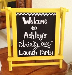 This would be cool to set on the porches of hostess www.c and c Allison Sharp Thirty One Launch Party Ideas, Thirty One Party, My Thirty One, Thirty One Bags, Thirty One Gifts, One Job, Love My Job, 31 Organization, 31 Party