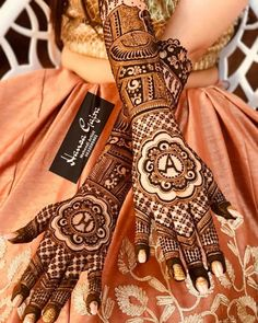 Book These Top Indian Mehendi Artists For Stunning Mehendi Designs