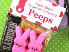 Here are FREE Printable Easter Peeps Bag Toppers to make Easter Treats for Kids! Perfect Easter Basket Fillers and School Easter Treats for school parties!