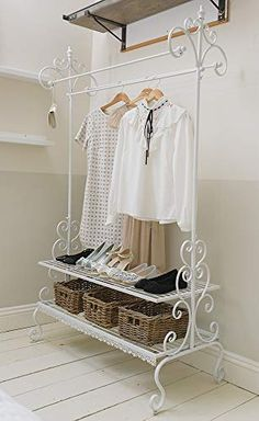 A functional and contemporary design, this antique white powder-coated metal clothes rail with ornate detailing is perfect to have in any bedroom, or a perfect addition to any hallway for all your sto Iron Furniture, Home Office Furniture, Garderobe Shabby Chic, Wrought Iron Decor, Clothes Rail, Clothes Storage, Interior Decorating, Interior Design, Home Room Design
