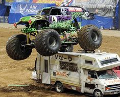 grave digger monster truck | Grave Digger Tribute 2 | Publish with Glogster!