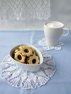 vanilla biscuits with chocolate