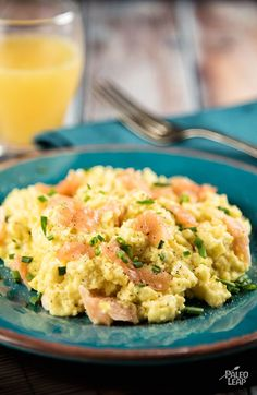 Scrambled Eggs With Smoked Salmon --- Chocolate strawberry Ice cream Cake delivers the freshest flavors of summer strawberries in a creamy, frozen cake. Smoked Salmon Scrambled Eggs, Smoked Salmon Breakfast, Paleo Breakfast, Breakfast Recipes, Salmon Eggs, Smoked Salmon Omelette, Egg Recipes, Brunch Recipes, Gastronomia