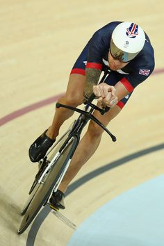 Bradley Wiggins in action during training at the Rio Olympic Velodrome 4-8-2016 Bryn Lennon/Getty Images