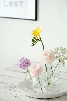 100円ガラス瓶でOK!お花の簡単な飾り方|Everyday photostyling~おしゃれカッコいい暮らしのアイデア~大阪フォトスタイリング教室