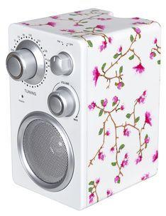 FM-radio/MP3-kaiutin (kukallinen musta tai valkoinen) 15,99€