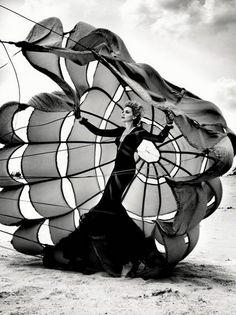 giokernelpanic:  Il vento porta i sogni per poi disperderli nel nulla.   L