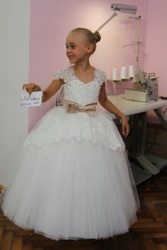 Fiesta de cumpleaños-Vestido de novia marfil por KingdomBoutiqueUA