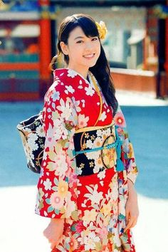 "三吉彩花  Ayaka Miyoshi  (ex-mbr of ""さくら学院"") Cute Japanese, Japanese Kimono, Japanese Costume, Beautiful Japanese Girl, Traditional Japanese, Japanese Outfits, Japanese Fashion, Japanese Beauty, Japanese Clothing"