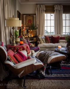 House interior decor - Hygge and my favorite candles ever – House interior decor Interior Design Inspiration, Decor Interior Design, Interior Decorating, Style At Home, Chair Eames, Sofa Chair, Swivel Chair, Home Living Room, Living Spaces