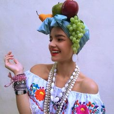 Pin for Later: 34 Vintage Halloween Costumes For the Ultimate Throwback Carmen Miranda Carnival Costumes, Diy Costumes, Vintage Costumes, Costume Ideas, Luau Costume, Witch Costumes, Retro Halloween, Halloween Party, Fruit Halloween Costumes