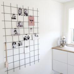 Når man nu ikke har mulighed for at hænge diverse sedler, billeder osv. op på køleskabet, er denne her løsning det bedste alternativ #home #kitchen #homesickblog