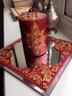 A Beautiful Single Scented Candle Set, Based On A Contrasting Mirror Plate #indianwedding #wedding #favours #favors #weddingfavours #mendhi #bespoke #design #calligraphy #candle #candles #gifts #shaadi #walima #nikah #celebrating #graduation #family #handmade #weddinggifts #desi #canvas #art