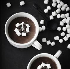 Cremet After Eight-drik med marshmallows