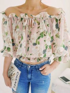 Floral print off shoulder chiffon blouse in beige choies outfits блузки, же Jean 1, Summer Outfits, Cute Outfits, Sewing Blouses, Diy Clothes, Blouse Designs, Mantel, Ideias Fashion, Chiffon