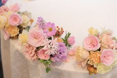 秋の装花 如水会館様へ 雨の日の結婚式、その日を明るく暖かくする花 会場装花