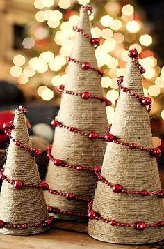 Best Alternative Christmas Tree Ideas - Christmas Celebration - All about Christmas Classic Christmas tree is a very good idea for Christmas, but sometimes we crave for something different, unusual and modern. Noel Christmas, Country Christmas, Winter Christmas, All Things Christmas, Christmas Ornaments, Burlap Christmas Tree, Cone Christmas Trees, Christmas Projects, Holiday Crafts