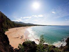 MAUI In Maui, skip the crowded Kihei beaches and drive 15 minutes south to Makena Beach.