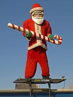 Santa Muffler Man? -- Farmington, New Mexico.