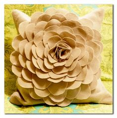 Hot Glue+Felt=Awesome Decorative Pillow!
