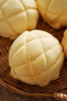Crunch melon bread