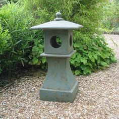 Google Image Result for http://www.mellors-ceramics.co.uk/images/garden_lantern.jpg