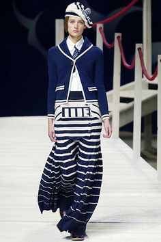 Kenzo Parigi - Spring Summer 2006 Ready-To-Wear - Shows - Vogue. 1940s Fashion, Fashion Show, Fashion Design, Fashion Trends, Fall Fashion, Fashion Tips, Stylish Eve Outfits, Chic Outfits, Work Outfits