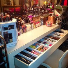 How to organize your Eyeshadow | How to organize your makeup