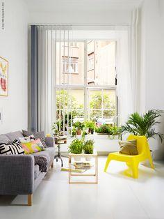 pops of yellow // #decor #yellow