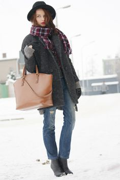 We ♥ Modna Komoda  http://modna-komoda.blogspot.fr/2013/01/day-wasted.html  La Redoute jean here : drool!! http://www.laredoute.com/low-waist-5-pocket-style-boyfriend-jeans/prod-324265860-729012.aspx