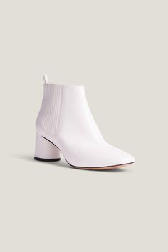 Marc Jacobs Rocket Chelsea Booties In Ivory Cute Fashion, Fashion Ideas, Goody Two Shoes, Marc Jacobs Shoes, Women's Shoes, Chelsea Boots, Ivory, Footwear, Earth