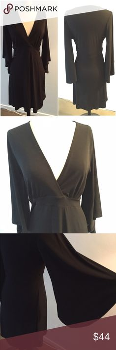 Veronica M Black dress. Size: M. NWOT. Veronica M Black dress. Kimono / Bell sleeves. Size: M. NWOT. Great closet staple!  #LittleBlackDress Veronica M Dresses Midi